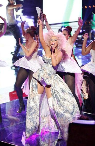 Christina Aguilera viste de YolanCris