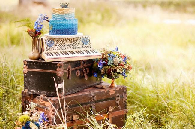 Decora tu boda vintage con maletas
