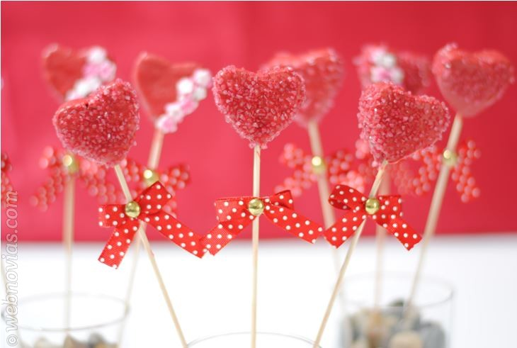 Cake Pops de fresa con forma de corazón
