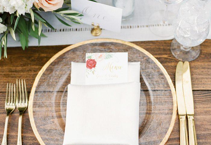 Vajilla dorada para bodas