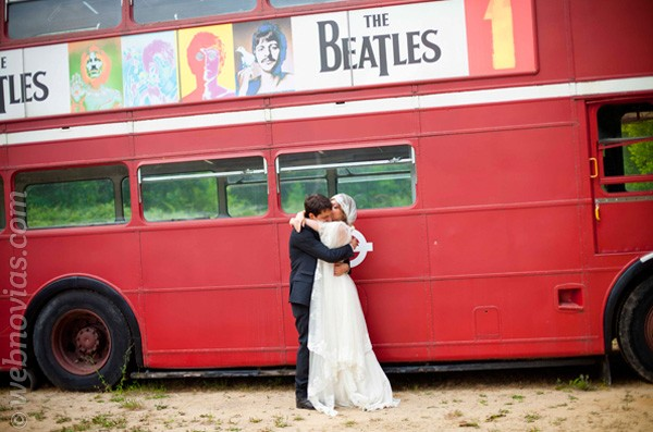 Una furgoneta en la boda, ¡sobre ruedas!