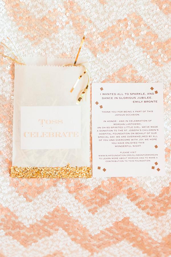 Invitaciones de boda con purpurina