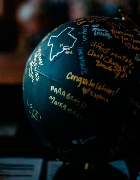 Libro de firmas bola del mundo