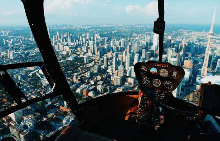 Planes románticos para verano. Tour en helicóptero