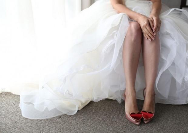 zapatos de novia con corazón